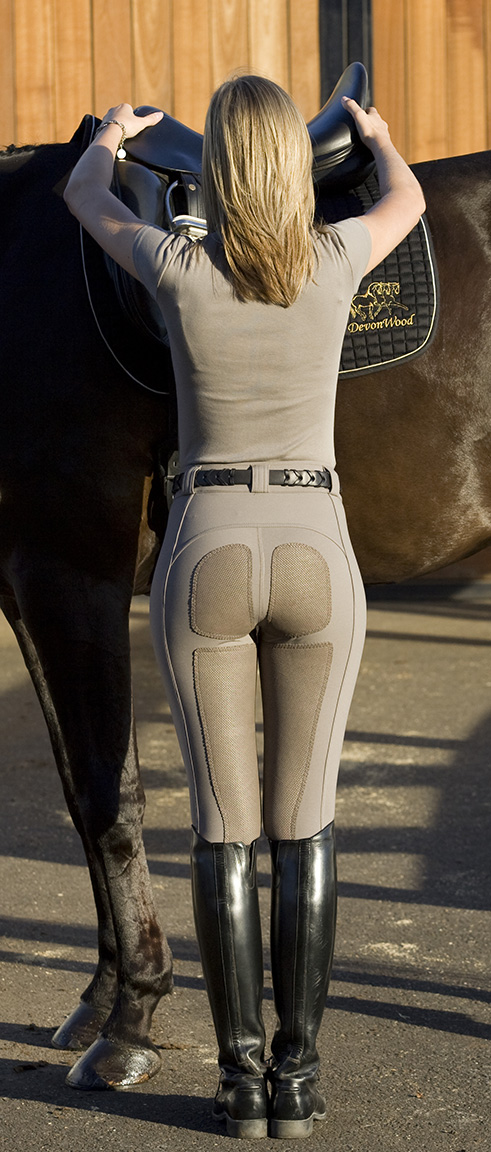 eqgirl | What's Hot in Equestrian Fashion